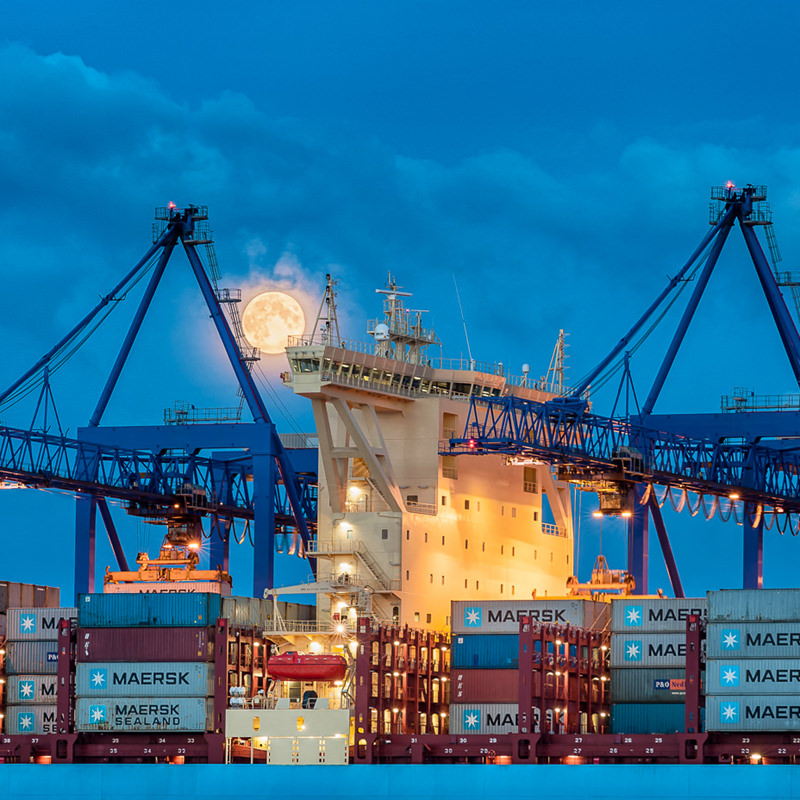 przemysł-fabryka-zakład-pracy-zakład-produkcyjny-hale-magazyny-centra-logistyczne-maszyny-urządzenia-taśmy-produkcyjne-automaty-park-maszynowy-flota